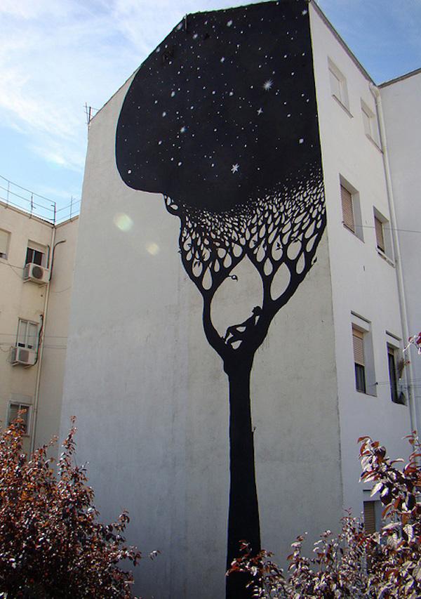 国外街头绘画树与人