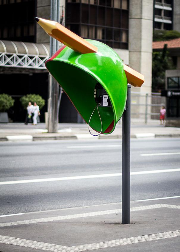 街头电话亭涂鸦之铅笔