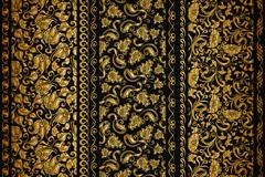 3款金色花纹设计矢量素材