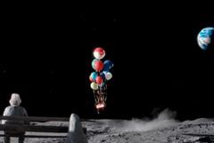 John Lewis 2015圣�Q�V告《月球上的人》