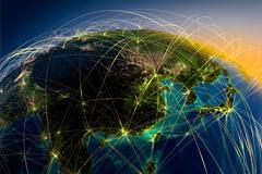 地球上空飞机航线轨迹高清图片