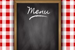 空白黑板菜单和红格子桌布设计矢