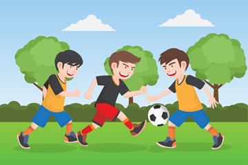 3个草地上踢足球的男孩乐虎国际线上娱乐图