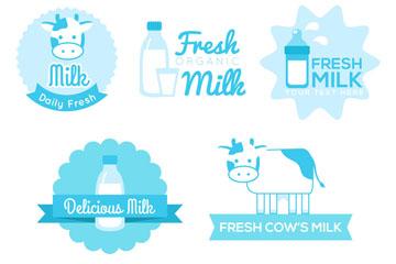 5款蓝色牛奶标签和徽章矢量图