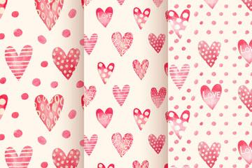 3款彩绘粉色爱心无缝背景矢量图