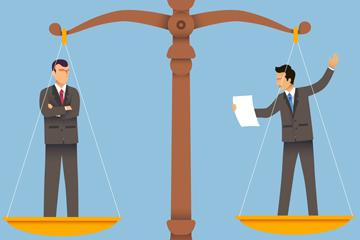 ��意站在法庭天枰上的2��男子矢量�D