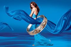 蓝绸飘带和戒指PSD分层图片