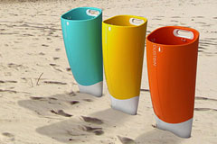 彩色沙滩垃圾桶