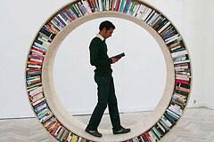 建筑师设计的环形书架
