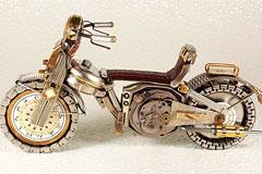 旧手表的改造艺术:摩托车